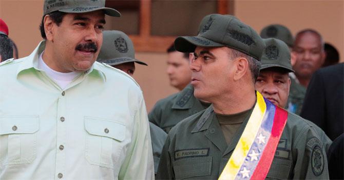 5 bellas fotos de Padrino López usando banda presidencial