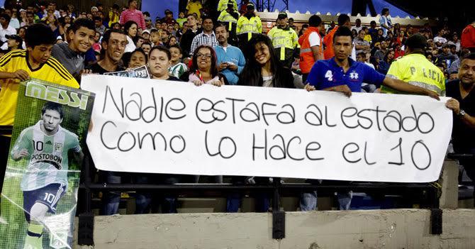 """Fanáticos de Messi: """"Nadie estafa al Estado como lo hace el 10"""""""