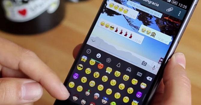 Nueva ley impedirá que mayores de 30 años usen emojis