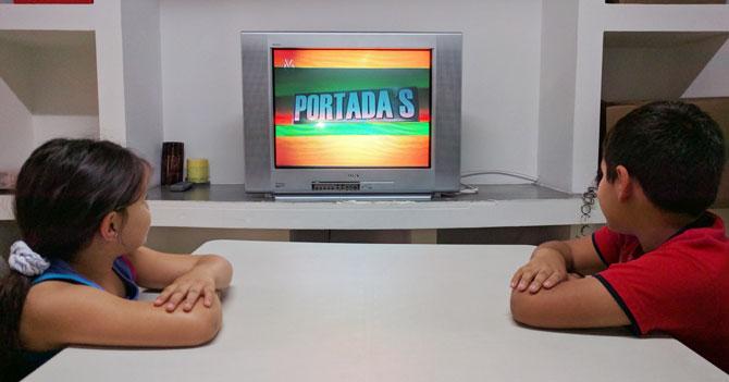 Maestra preocupada que niños estén viendo Portada's en época vacacional