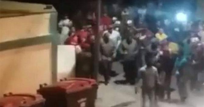 VTV: Venezolanos cacerolean y golpean a Maduro en apoyo a su gestión