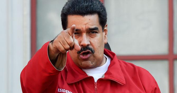 Maduro acusa de golpista a quien sea que haya inventado la democracia