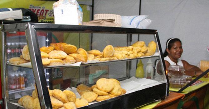 Puesto de pastelitos andinos en Caracas sigue decepcionando a gochos en la capital