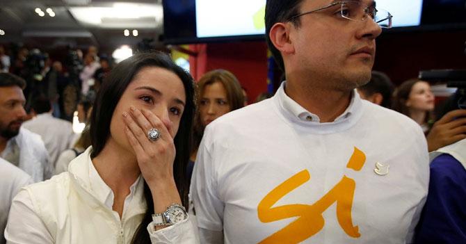Colombia finge tener la regla para no acostarse con las FARC