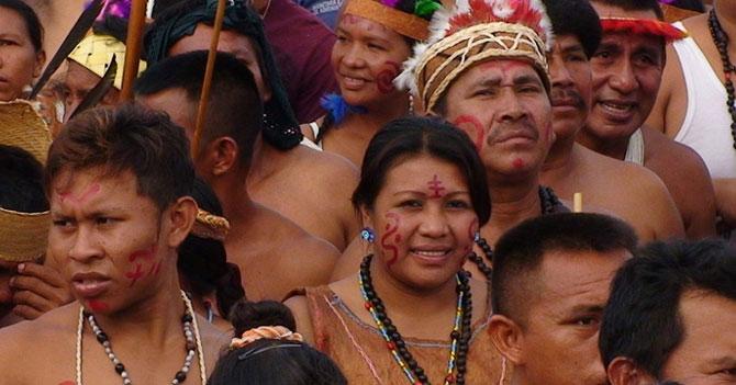 Indígenas que aún no son víctimas de alguna epidemia celebran su resistencia