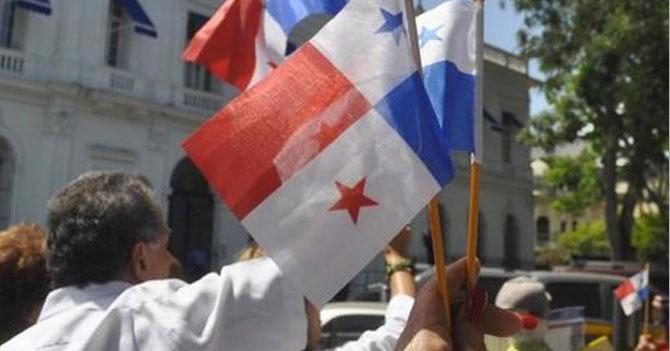 Panameños denuncian que venezolanos tomaron sus puestos en marcha contra venezolanos