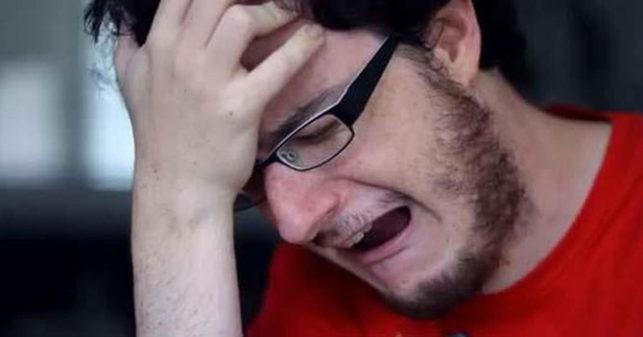 Venezolano harto de todo intenta suicidarse comiendo yuca y resulta ser dulce