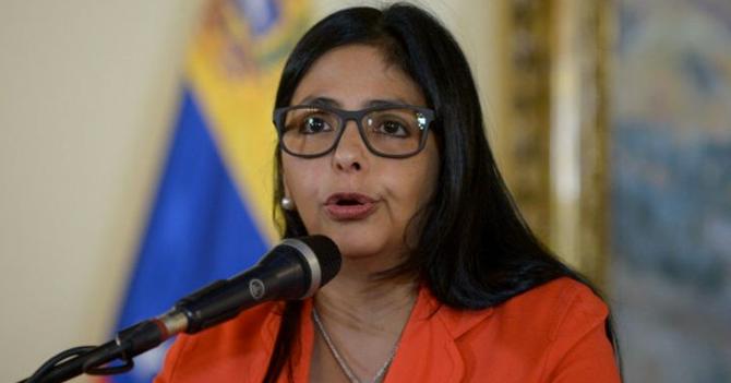 Media hora después de enumerar países, piden a Delcy que mejor diga qué países apoyan a Maduro