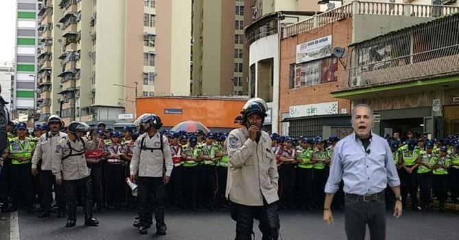 Gobierno disuelve marcha mandando a Manuel Rosales