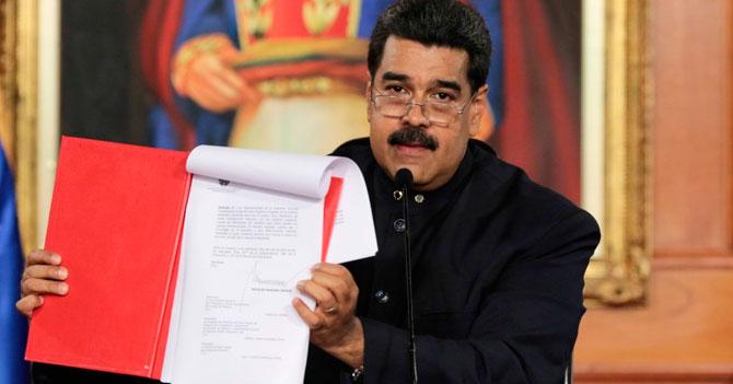 """Top 10 de nombres más sinceros para la """"ampliación"""" de la constitución"""