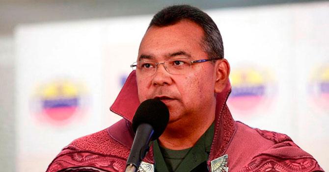 Gran Maestro Hechicero Reverol firma Gaceta que evapora armas mágicamente