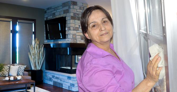 Señora de servicio de Padrino López se deslinda del Gobierno