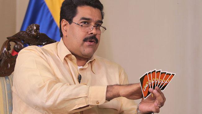 Maduro juega partida de UNO él solo, pone sus propias reglas y pierde