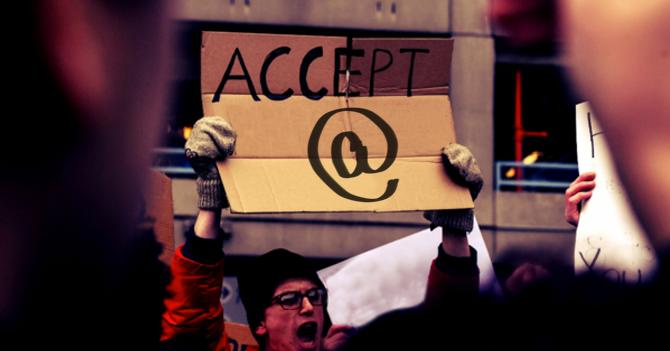 """Símbolo de """"@"""" protesta por el derecho a tener propia tecla"""