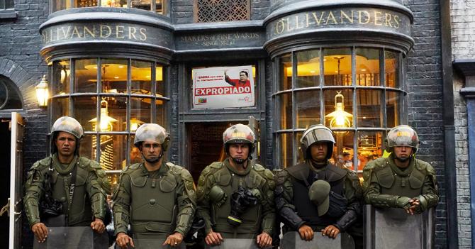 Gobierno celebra aniversario de Harry Potter expropiando Ollivander's