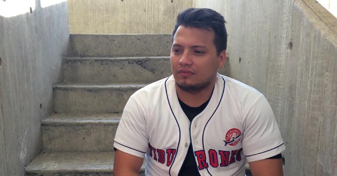 Fanático de Tiburones apoya suspensión de temporada de béisbol para no perder otro campeonato