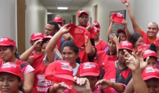 Exitosa marcha por la Constituyente llena completamente un pasillo