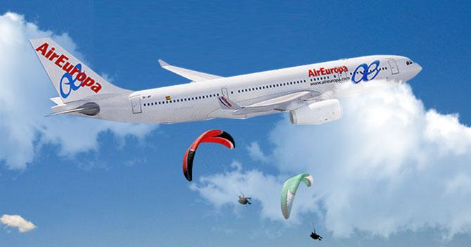Para no aterrizar en Venezuela, aerolíneas dejarán caer pasajeros en paracaídas