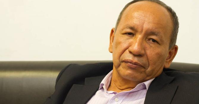 Ante fracaso de maldición chamánica, Liborio Guarulla se vuelve evangélico