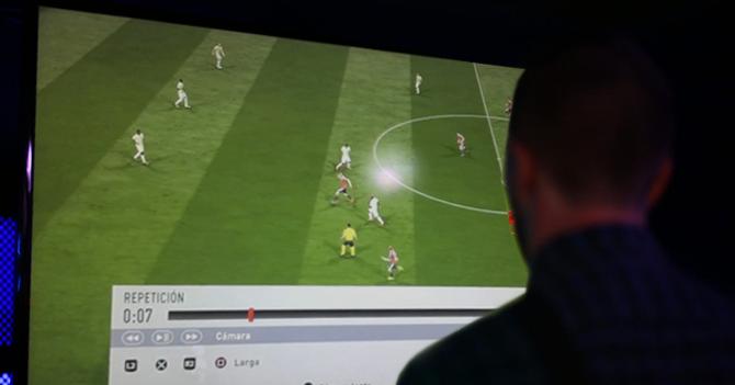 Joven irrespeta el Fair Play dejando todas las repeticiones de gol en FIFA