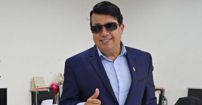 MUD intenta recobrar interés contratando a Miguel Moly para cierres de campaña