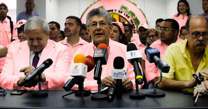 Con juramentación de Gobernadores en la ANC, AD cambia su color a rosado