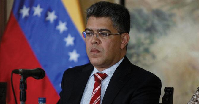 Maduro nombra a Elías Jaua como protector de Elías Jaua