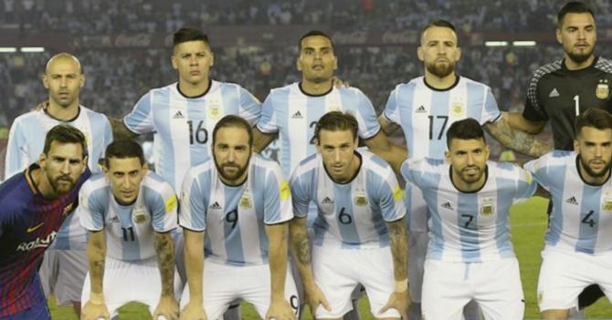 Para mejorar su rendimiento, Fifa permitirá a Messi jugar partidos de la selección de Argentina usando  el uniforme del Barcelona