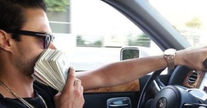 Joven se hace millonario luego de leer frase motivacional de prepago en Instagram