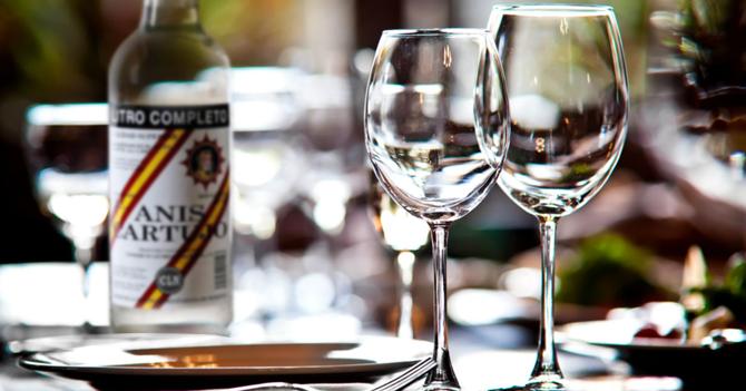 Médicos revelan que una copa de anís al día ayuda a embriagarse