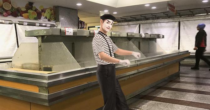 Mimo entra al supermercado y sale con carrito full