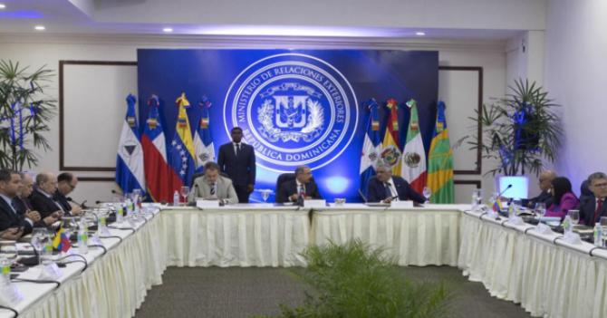 Oposición y Gobierno acuerdan que les da ladilla regresar a Venezuela