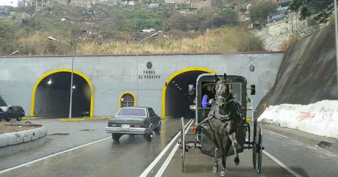 Familia amish se muda a Venezuela para desconectarse de la tecnología y los servicios