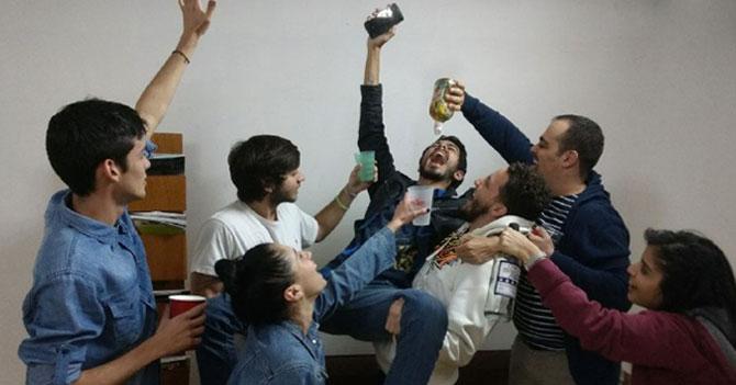 Arrocero comparte megas en fiesta y se convierte en el homenajeado