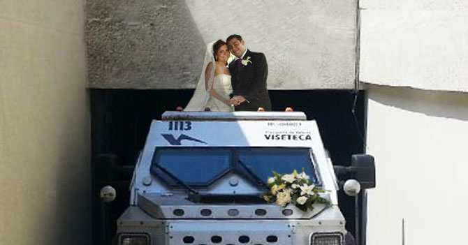 Escasez de efectivo hace que camión blindado termine como carro de boda