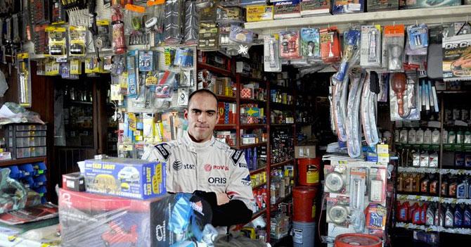 Pastor Maldonado por fin consigue repuesto que le faltaba para regresar a las pistas