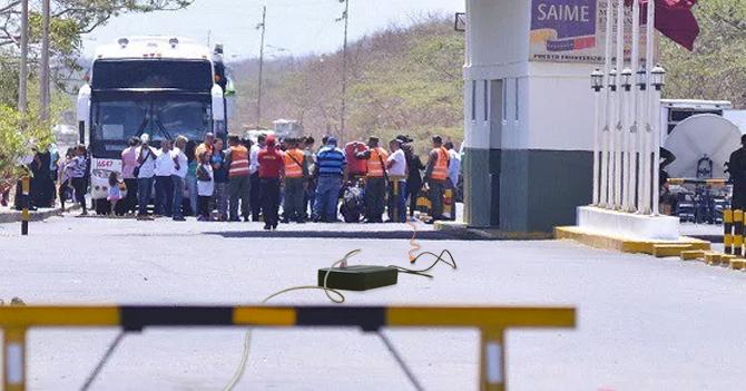 Maracuchos juntan todas sus extensiones para conectarlas en Colombia