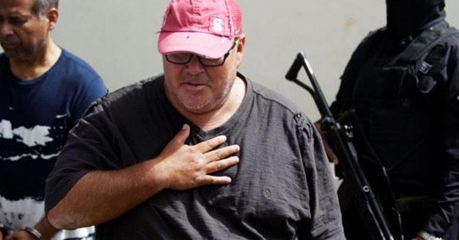 Gordo detenido exige derecho a una llamada y la usa para pedir pizza