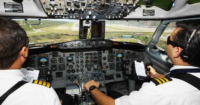 Piloto venezolano indignado porque nadie aplaudió en el aterrizaje vuelve a despegar