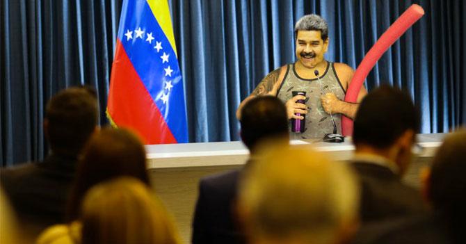 Al finalizar reunión con banqueros, Maduro los obliga a ir a la playa