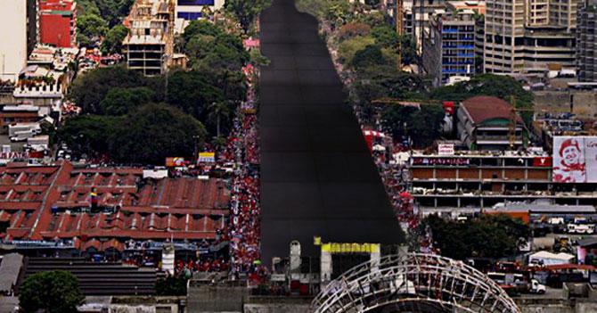 Maduro cierra campaña llenando la avenida Bolívar con tarima gigante