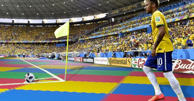 Para proteger a Neymar, FIFA cambia grama por piso acolchado de bebé