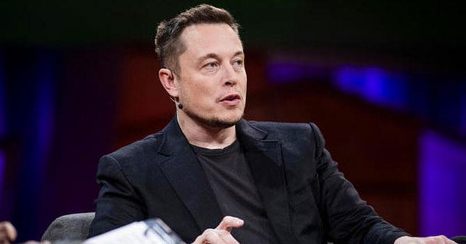 Elon Musk diseña cápsula para que chama salga de relación tóxica