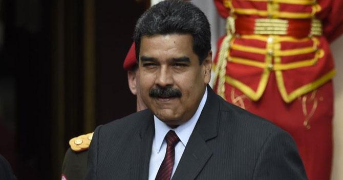Maduro contento porque préstamo de China permitió hacer desfile para celebrar la Independencia