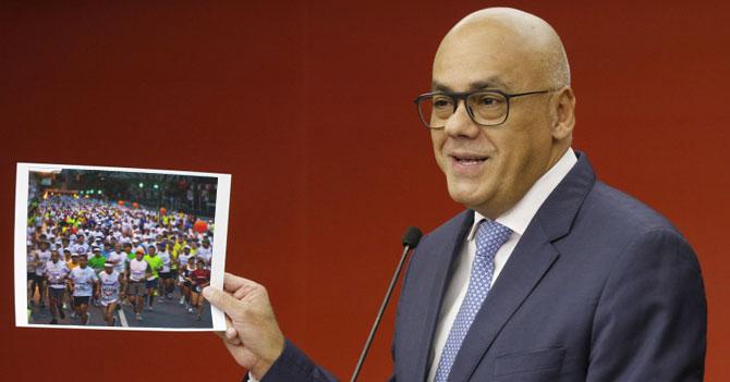 """Jorge Rodríguez: """"Venezolanos cruzan nuestra frontera caminando como preparación para el próximo maratón CAF"""""""