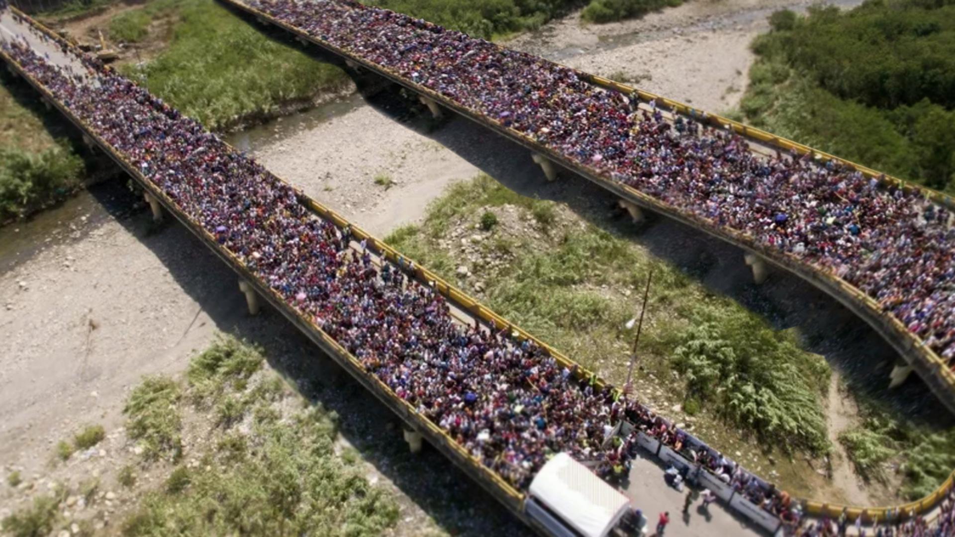 Para evitar flujo de emigrantes venezolanos, Colombia construye vuelta en U en puente Simón Bolívar