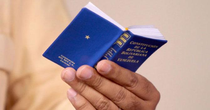 EXCLUSIVA: Lo que llevan escrito de la Constitución después de catorce meses