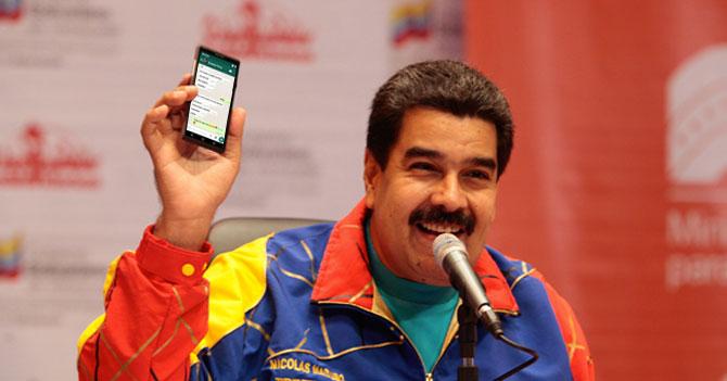 """Gobierno envía mensaje erótico a venezolanos en el exterior para que regresen: """"Tengo la casa sola ;)"""""""