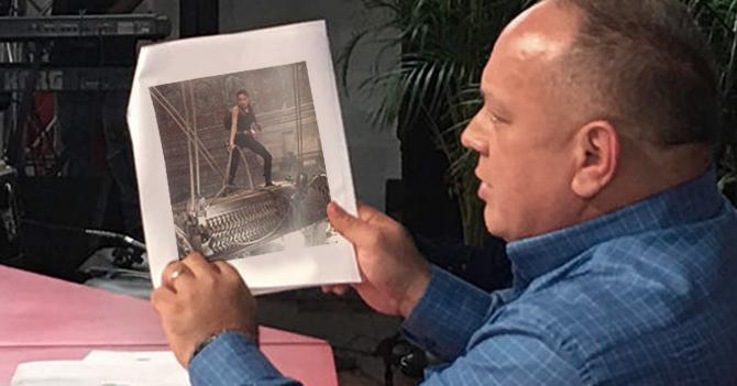 Diosdado Cabello presenta evidencia de Angelina Jolie robando tumbas