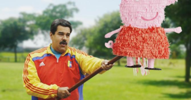 En su cumpleaños Maduro no deja que más nadie le dé a la piñata